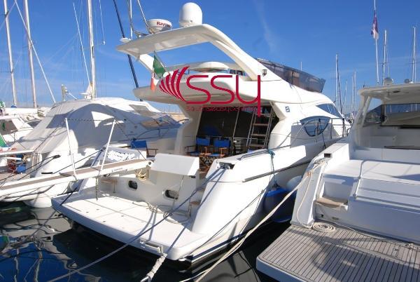 Ferretti Yachts 460 Fly