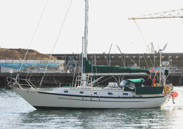 Pacific Seacraft 37
