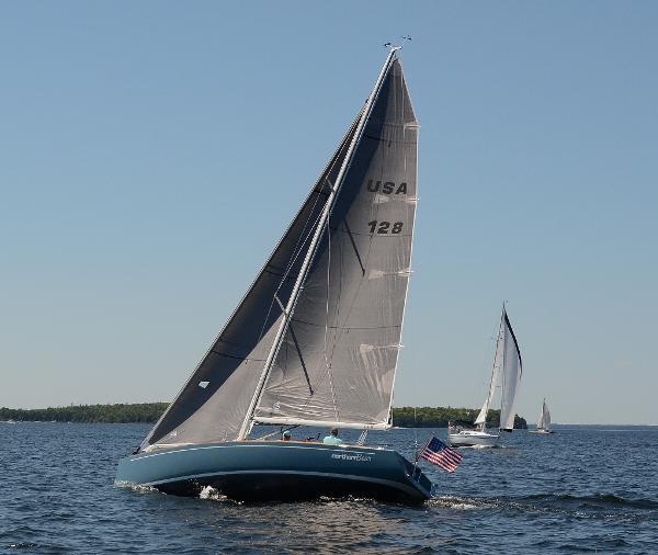 J Boats J/100 Sailing