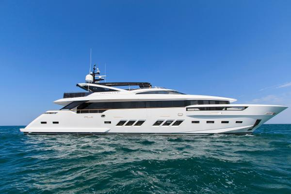 DL Yachts Dreamline 35