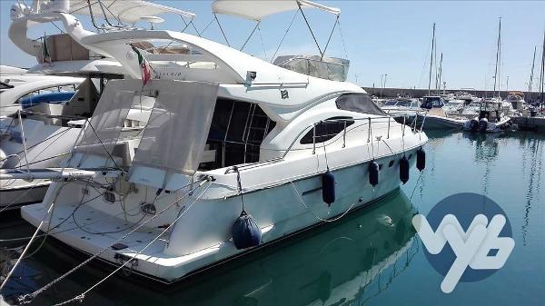 Ferretti Yachts Fly 430 phc86799_1-big.jpg