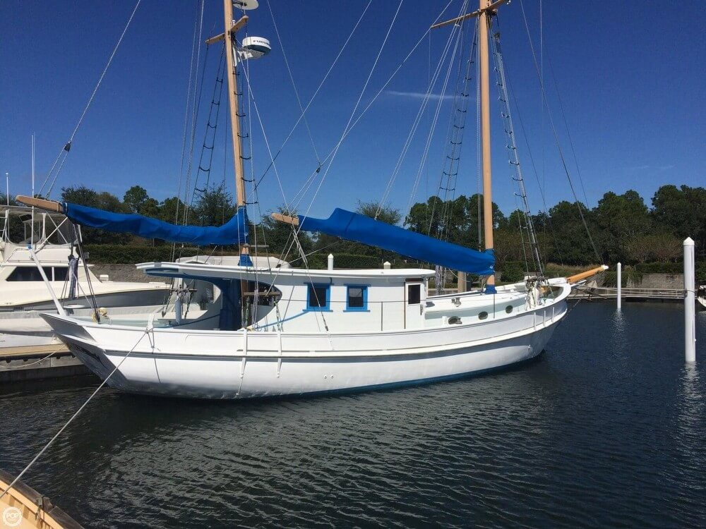 Corsair Marine 48 BREEZE 1997 Corsair Custom 48 BREEZE for sale in Elberta, AL