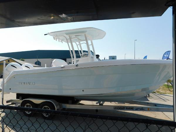 Robalo R242 Center Console 2018-robalo-r242-center-console-for-sale