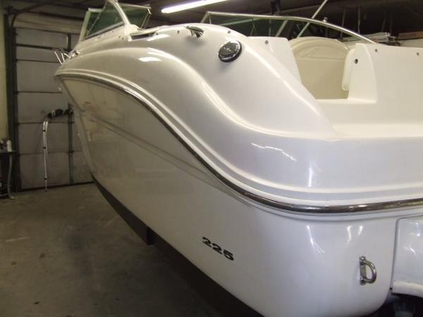 Sea Ray 225 Weekender (SCL)