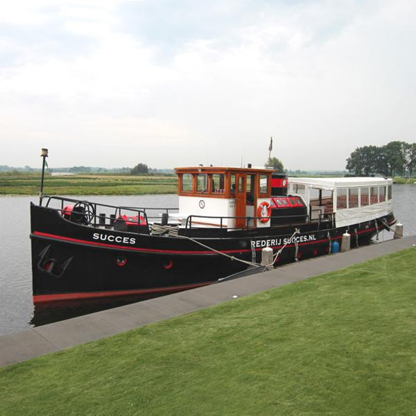 Custom classic passengership