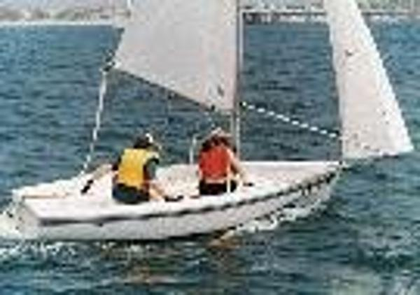 Catalina 14.2 Keel