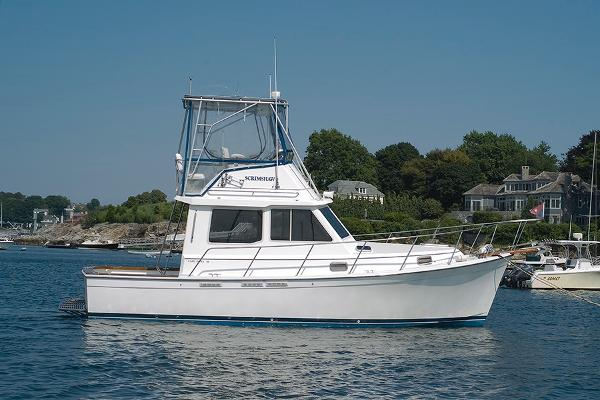 Cape Dory 30 Flybridge Hardtop