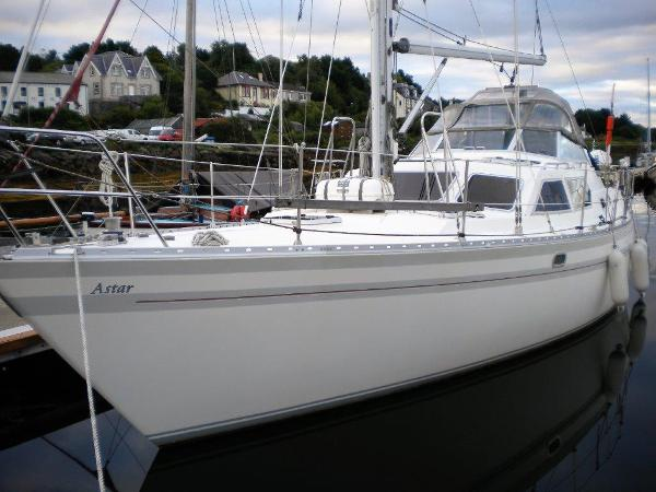 Trident Voyager 40 Trident Voyager 40 Built 1990