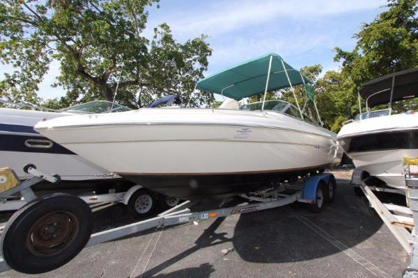 Sea Ray 24 Bow Rider