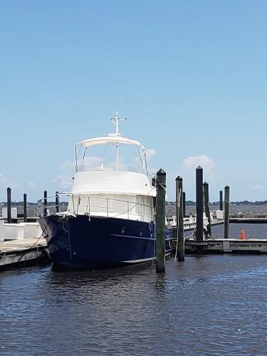 Beneteau Swift Trawler 42 Bow