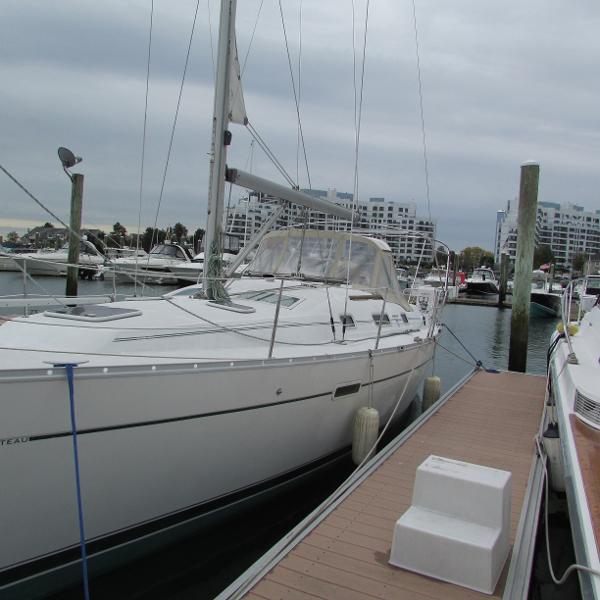 Beneteau 343 Port