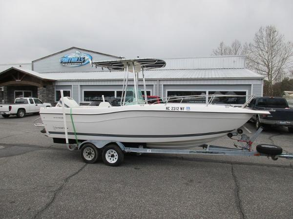 Seaswirl Striper 2100CC