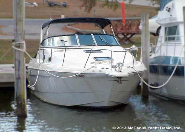 Wellcraft Martinique 3200 Bow