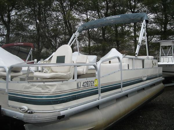 Misty Harbor 2080 CF