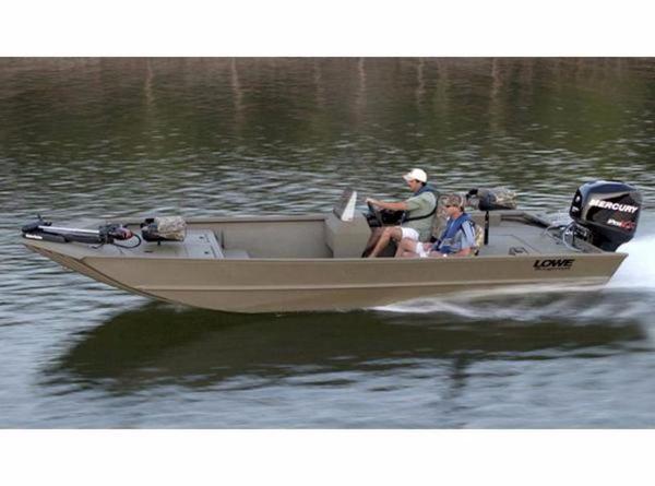 Lowe Hunting Roughneck 2070 SC