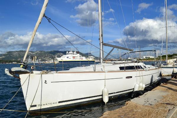 Beneteau Oceanis 37 DSC_0012