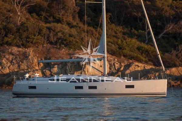 Jeanneau 51 Yacht Series