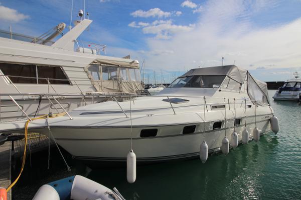 Cruisers 3370 Esprit