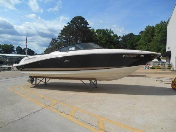 Sea Ray 270 SLX Profile