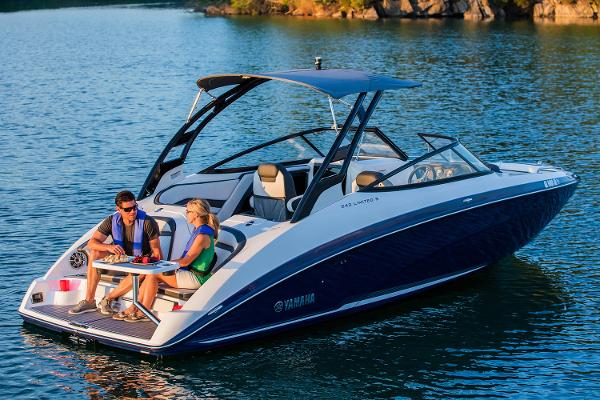 Yamaha Boats 242 Limited S Manufacturer Provided Image