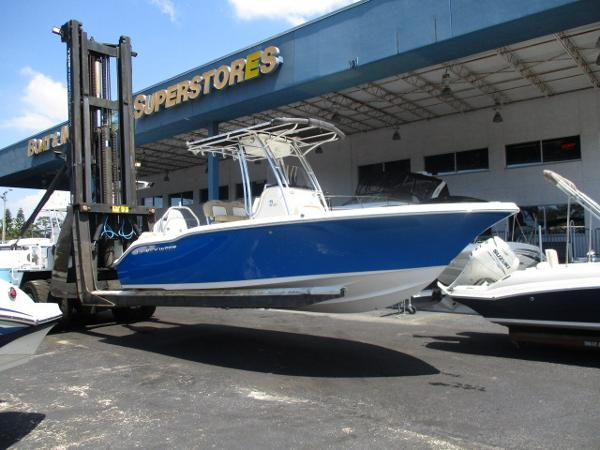 Key West 219 FS Family Sportsman