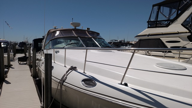 Cruisers Yachts 4270