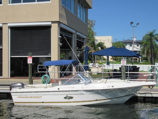 Aquasport 215 Osprey Sport Starboard Side View