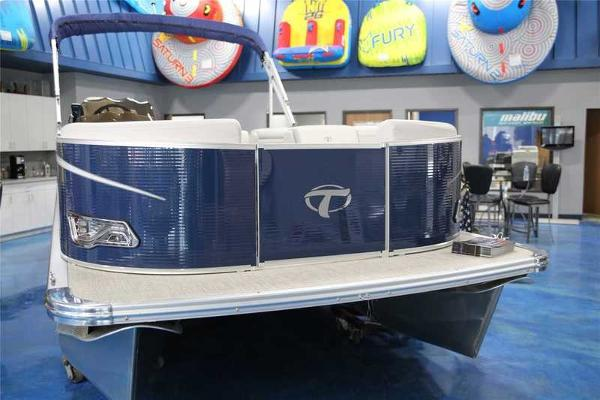 Tahoe Pontoon 2285 LTZ CRUISE REAR BENCH PATIO