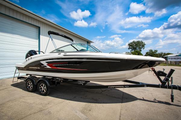 Chaparral 23 SSi Outboard