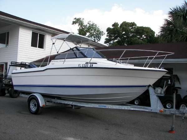 Bayliner 20 Cuddy