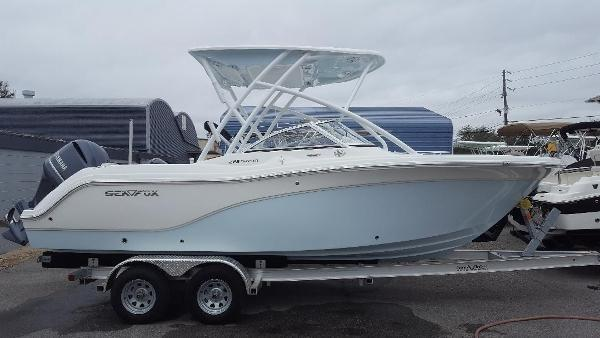 Sea Fox 226 Traveler Exterior