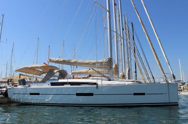 Dufour 412 Grand Large Dufour 412 Grand Large