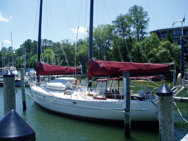 Freedom Yachts Cat Ketch Photo 1