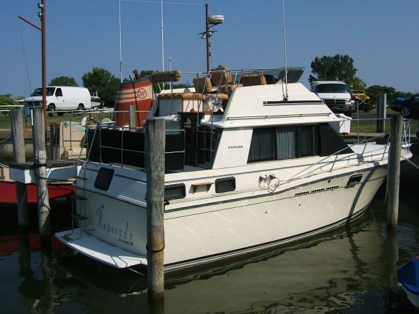 30' Carver side view