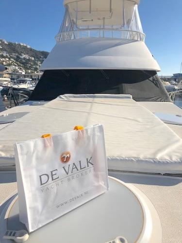 Riviera 42 Flybridge Handled by De Valk
