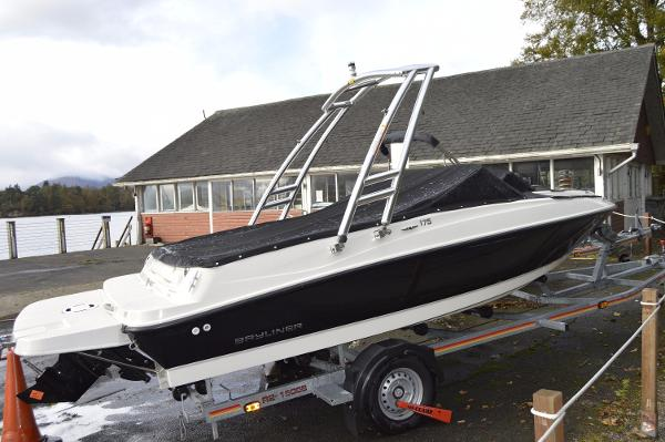 Bayliner Bayliner 175 Bowrider Flight Bayliner 175 Monster tower