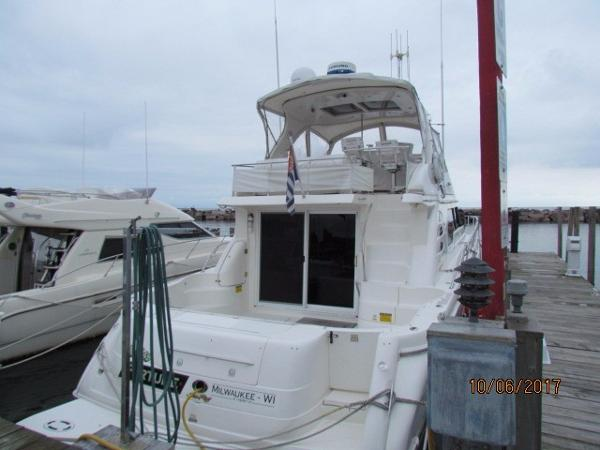 Sea Ray 560 Sedan Bridge AFT IN SLIP