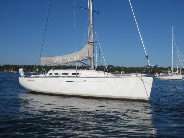 Beneteau First 40.7 Beneteau First 40.7 Synergy profile stbd