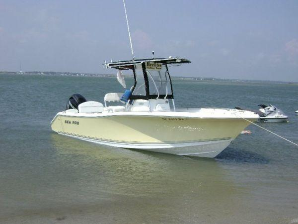 Sea Pro 228 Center Console