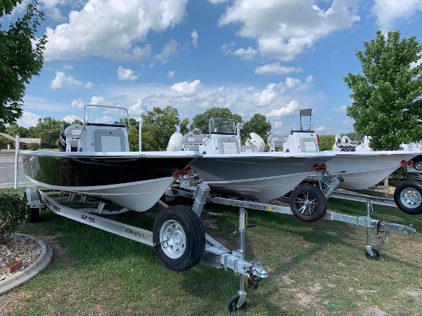 Sea Pro 208 DLX Bay