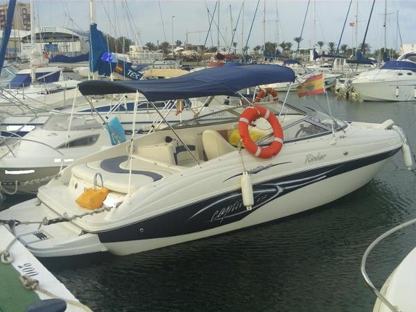Rinker 232 CAPTIVA BOW