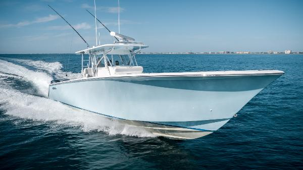 SeaHunter 45 Stbd Bow Running