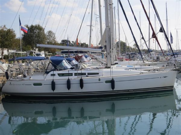 Jeanneau Sun Odyssey 42 I Jeanneau Sun Odyssey 42i - Sailing Yacht