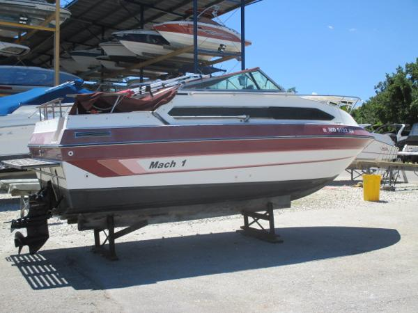 Mach 1 MV 2200 CR Playmate Starboard View