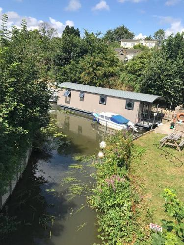 Houseboat River Pod 40