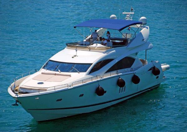 Sunseeker 82 Yacht Sunseeker 82 Yacht