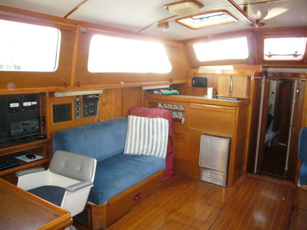 port aft salon