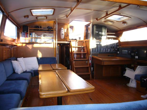 salon aft- from galley