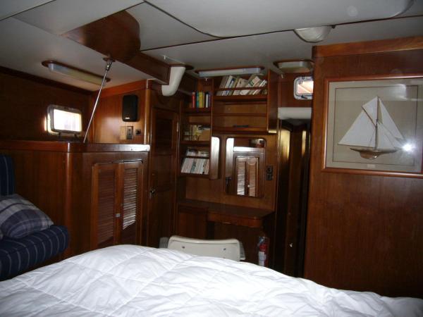 owner's aft cabin vanity