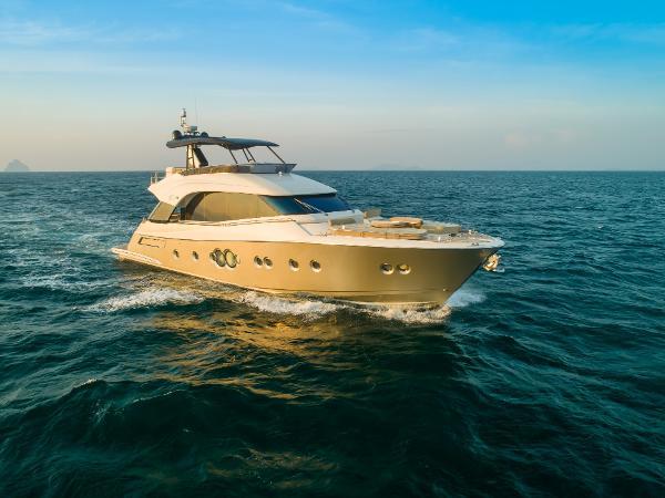Monte Carlo Yachts 70 Monte Carlo 70